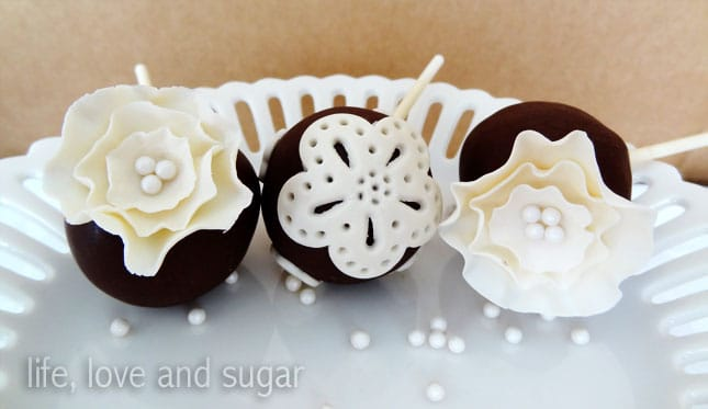 image of ruffle cake pops and doily cake pops