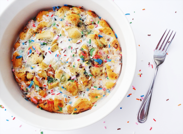 Funfetti Cake Batter Cinnamon Roll Casserole {with Rainbow Chip Icing}