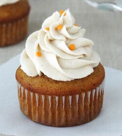 Pumpkin Cupcake with Maple Cinnamon Cream Cheese Icing