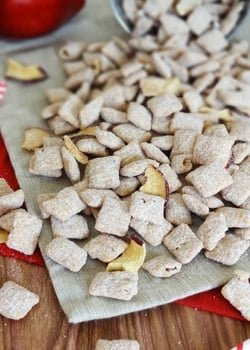 caramel_apple_puppy_chow-featured