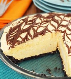 Pumpkin_Spice_Nutella_Ice_Cream_Pie-featured