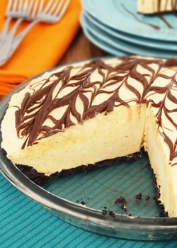Pumpkin_Spice_Nutella_Ice_Cream_Pie-featured