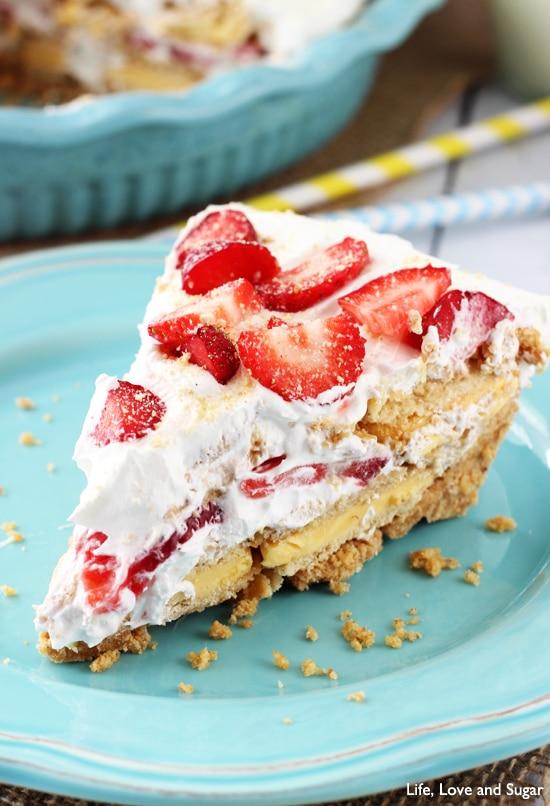 No Bake Strawberry Lemon Cookie Pie