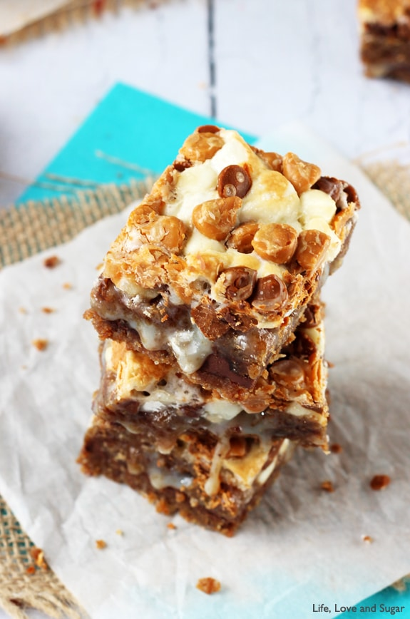 Oatmeal Cream Pie Gooey Bars