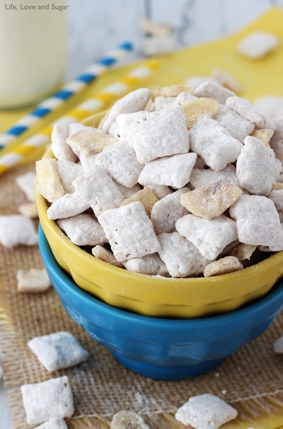 Image of a Bowl of Banana Pudding Puppy Chow