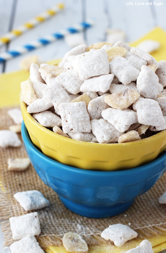 Banana Pudding Puppy Chow - made with dry banana pudding mix!