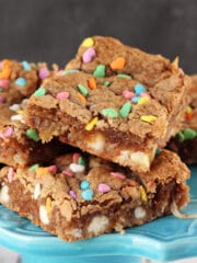 Carrot_Cake_Gooey_Bars-featured