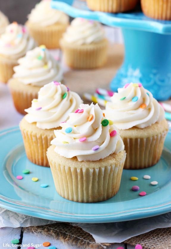 Moist Vanilla Cupcakes Life Love and Sugar