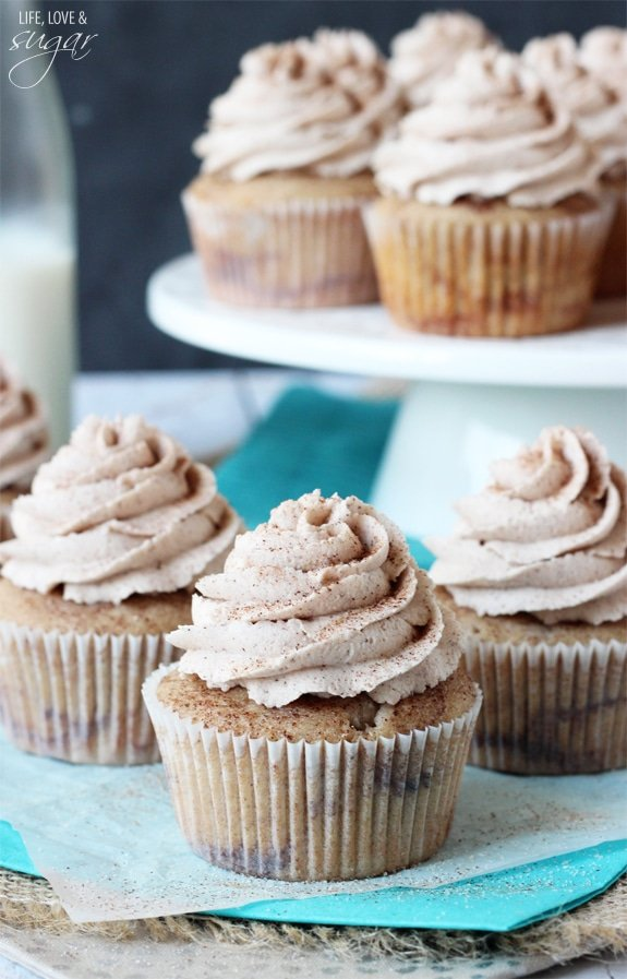 Cinnamon Sugar Swirl Cupcakes - layers of cinnamon swirled in the cupcake and cinnamon sugar icing!