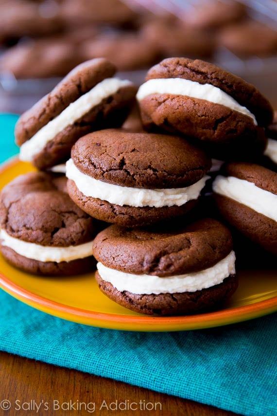 Homemade-Oreo-Cookies-So-easy-to-make-at-home.-Get-the-recipe-at-sallysbakingaddiction.com_1