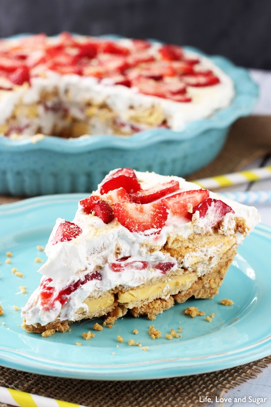 No Bake Strawberry Lemon_Cookie Pie