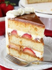 Strawberry_Dulce_De_Leche_Cake-featured