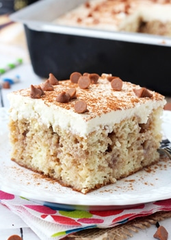 Cinnamon_Roll_Poke_Cake-featured