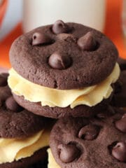 Pumpkin_Chocolate_Chip_Cookie_Sandwiches-featured