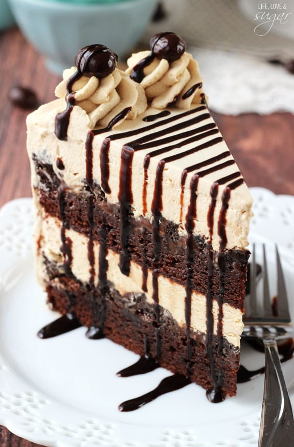 Mocha Brownie Ice Cream Cake - layers of coffee ice cream, brownies, Oreo crumbles and hot fudge! So good!