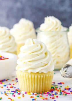 vanilla buttercream frosting recipe image