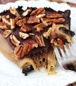 Caramel_Chocolate_Pecan_Turtle_Pie-featured