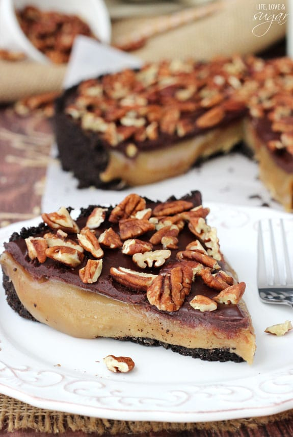 Caramel Turtle Pie - chocolate cookie crust filled with gooey caramel, topped with pecans! So good!