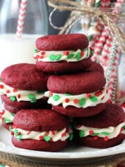 Red_Velvet_Cookie_Sandwiches-featured