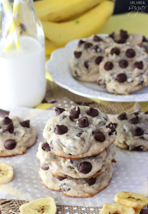 Banana Chocolate Chip Cookies - dense, moist and chewy cookies full of ...