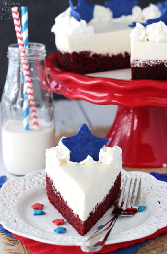 Red Velvet Blondie Cheesecake - a red velvet blondie topped with with no bake cheesecake! With or without the stars, it's a delicious dessert! But the stars make it perfect for July 4th!