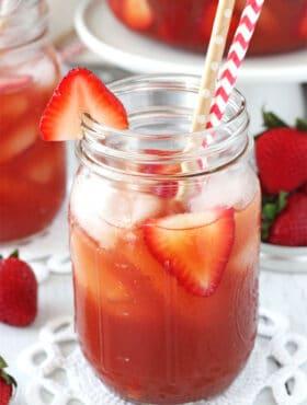 Image of a Glass of Strawberry Vanilla Sweet Tea