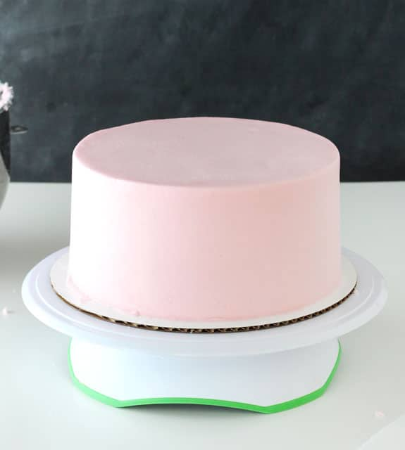 Cake Decor Without Icing : How to frost a smooth cake with buttercream - Life Love ...