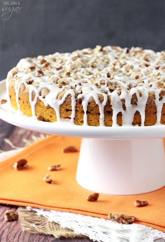 Cinnamon Streusel Pumpkin Coffee Cake - the perfect fall breakfast!
