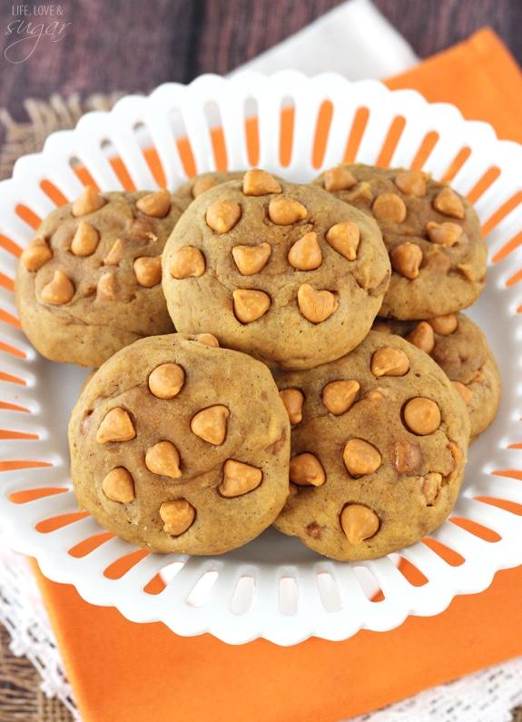 Pumpkin Butterscotch Chip Cookies - moist, chewy, dense pumpkin cookies filled with butterscotch chips! Not at all cakey!