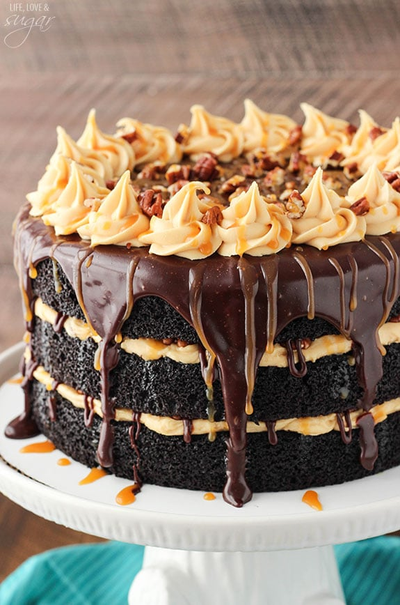 Turtle Chocolate Layer Cake! Layers of moist chocolate cake, caramel ...
