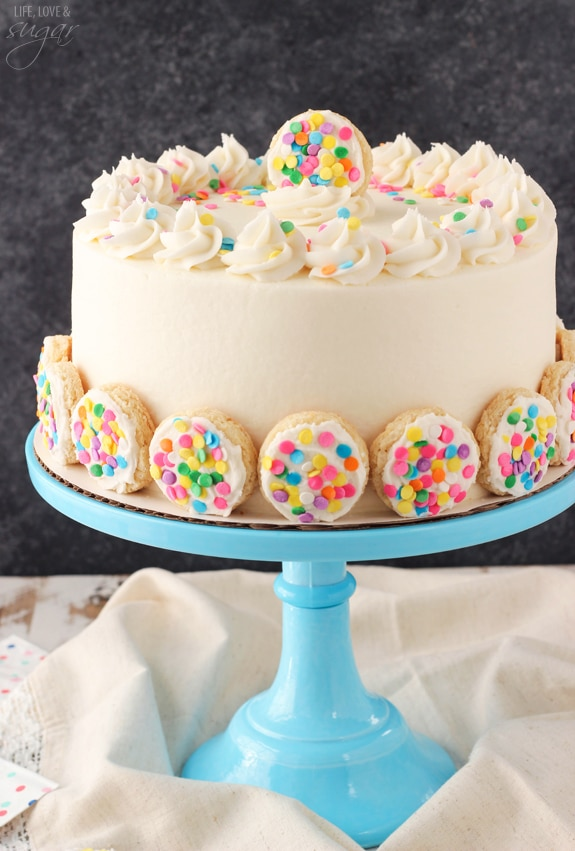 Baileys Frosted Vanilla Cookie Layer Cake on blue stand