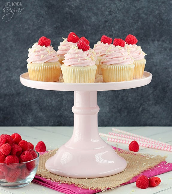 White_Chocolate_Raspberry_Cupcakes1