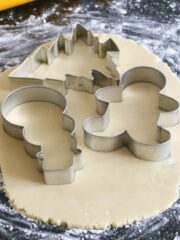 Cutout-Sugar-Cookies-with-Royal-Icing-featured
