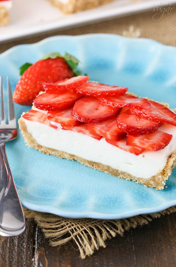 Strawberry Champagne Tart - a light, airy champagne tart topped with fresh strawberries! Perfect dessert for New Year's Eve!