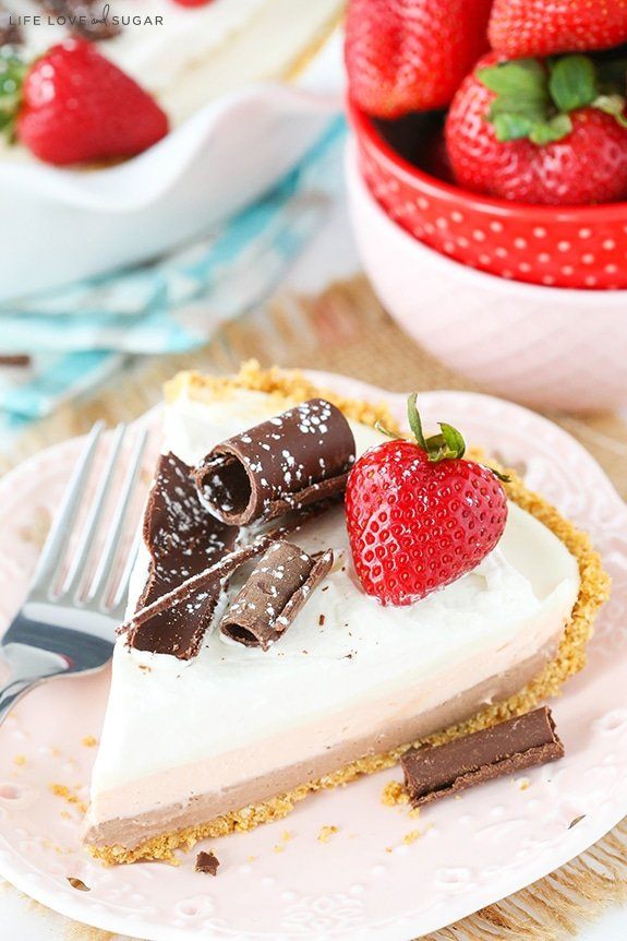 No Bake Neapolitan Cheesecake Pie