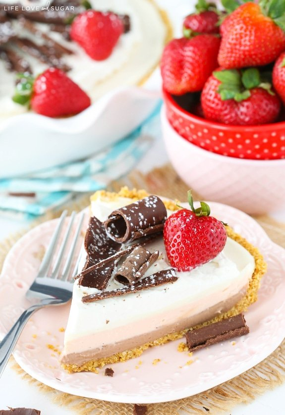 Easy Homemade No Bake Cheesecake Pie