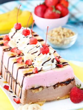 Banana Split Ice Cream Cake Loaf - layers of chocolate and strawberry ice cream, shortbread, bananas, nuts and pineapple! So fun and perfect for summer!