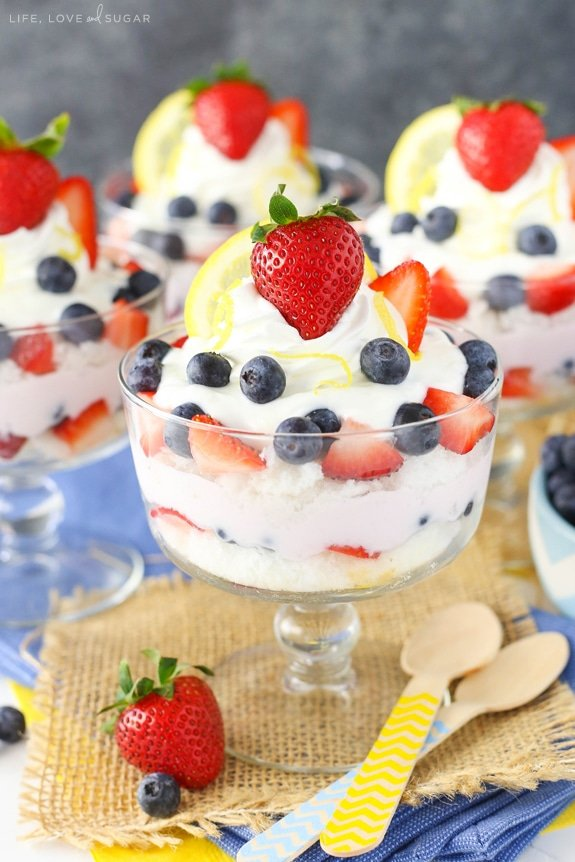 Lemon Berry Yogurt Trifles - layers of lemon and mixed berry yogurt, angel food cake and fresh berries! Such an easy and delicious snack!