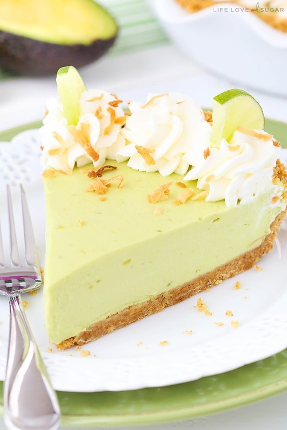 Avocado Key Lime Pie - the smoothest and creamiest key lime pie! SO good and easy to make - no bake!