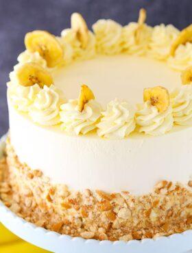 overhead image of Banana Pudding Ice Cream Cake
