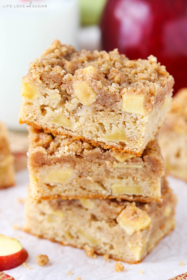 Apple Streusel Bars - a moist and chewy bar with apples mixed in and streusel on top! Perfect for fall!
