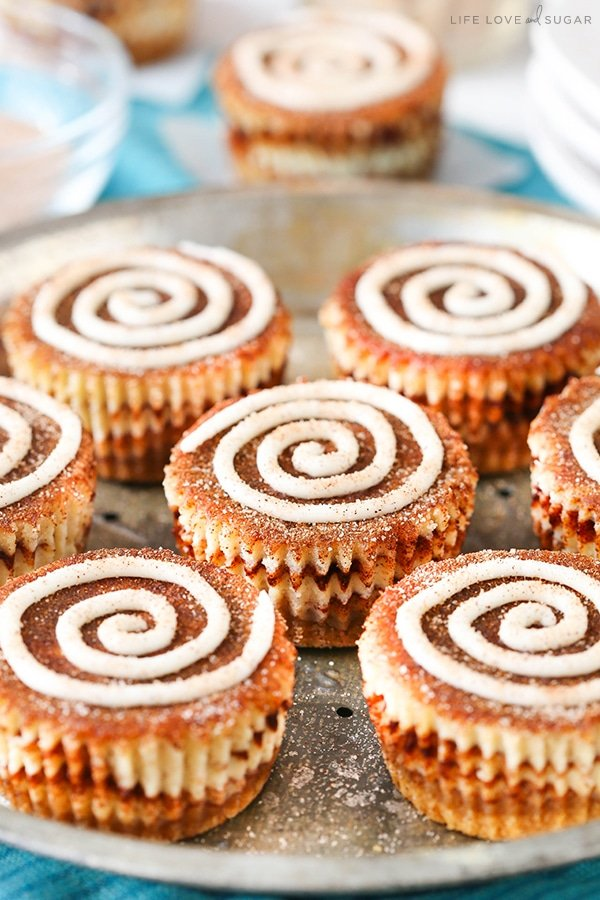 Mini Cinnamon Roll Cheesecakes! So easy and delicious!