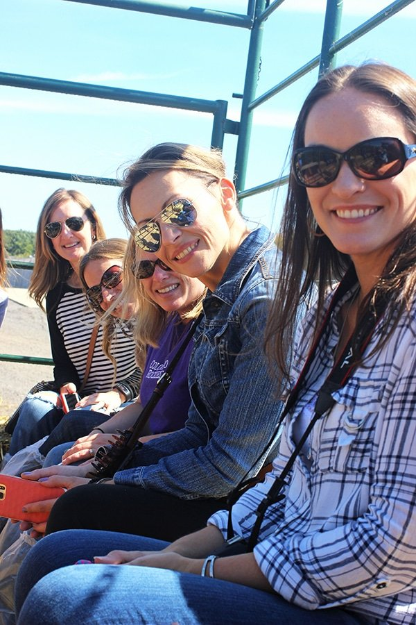 Lindsay and her Blogger Friends Smiling on a Hayride