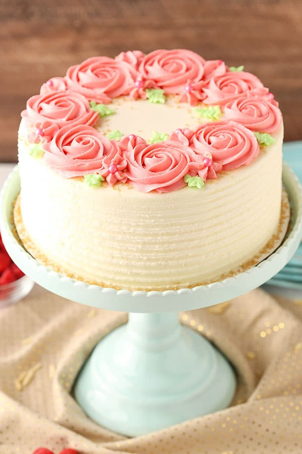 Raspberry almond layer cake life love and sugar for Decoration layer cake