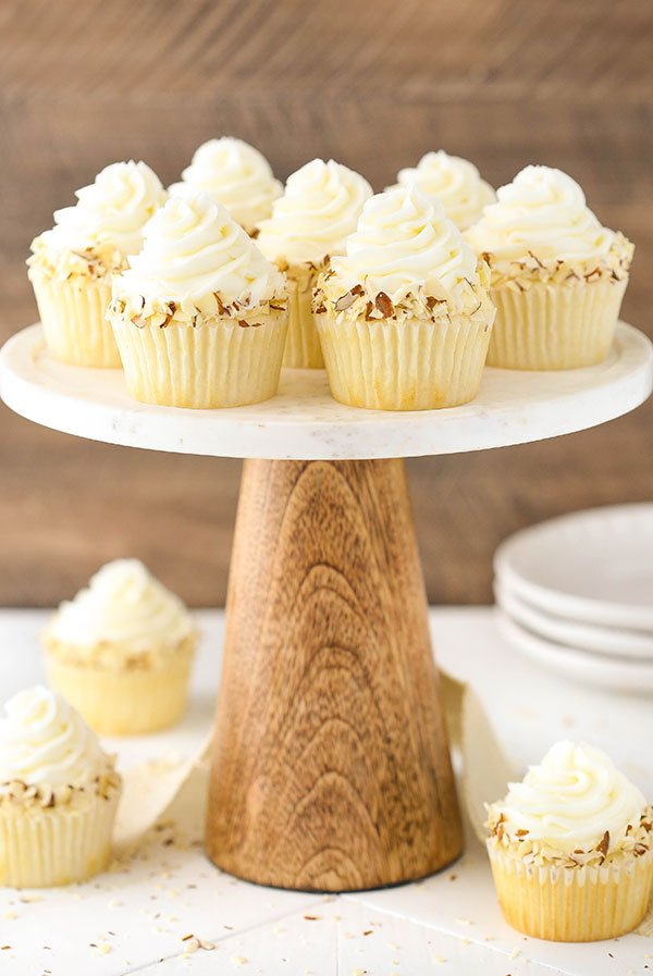 Homemade Almond Amaretto Cupcakes recipe