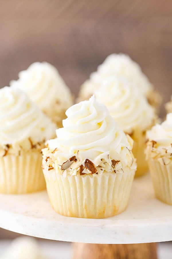 Almond Amaretto Cupcakes With Amaretto Whipped Cream Recipe ...