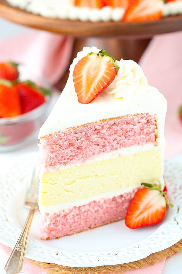 Cake With Strawberries In The Middle
