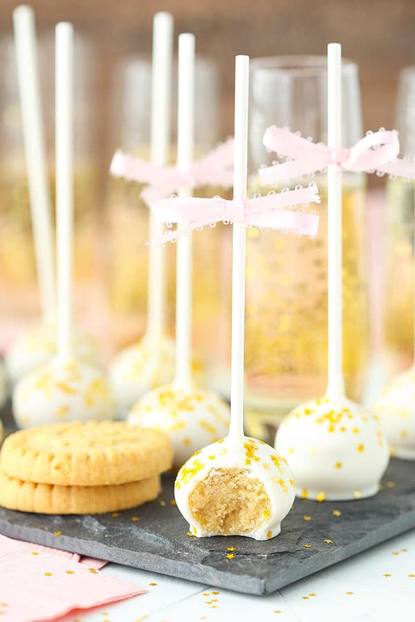 No Bake Champagne Cookie Balls - made with Walkers Shortbread and champagne! So good!