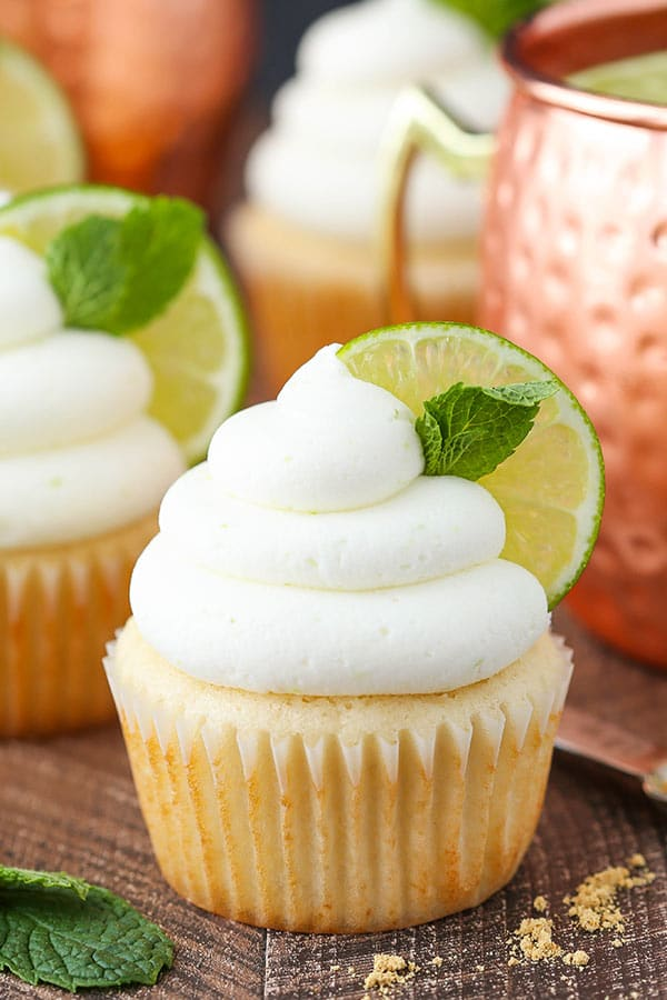 Moscow Mule Cupcakes! With ginger and lime flavor! Such a fun cocktail cupcake!