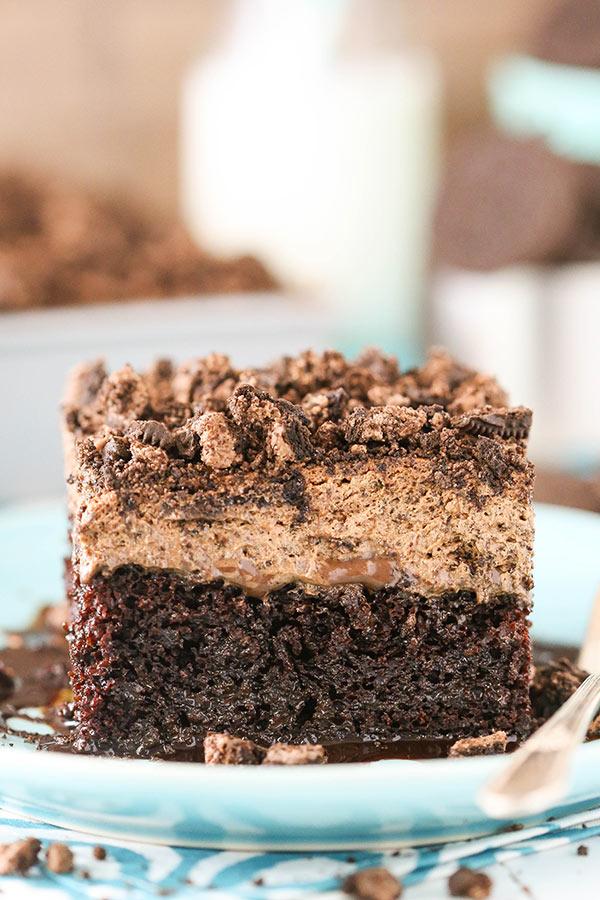 Best Oreo Chocolate Poke Cake recipe